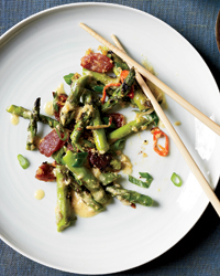 Singaporean Saute?ed Asparagus with Ginger